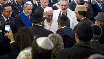 January 17, 2016 :  Pope Francis visits the Great Synagogue in Rome, accompanied by Chief Rabbi, Ricardo Di Segni.